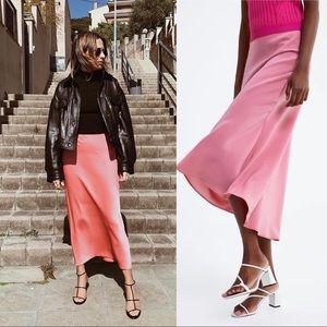 NWT Zara Bloggers Favorite Satin pink skirt